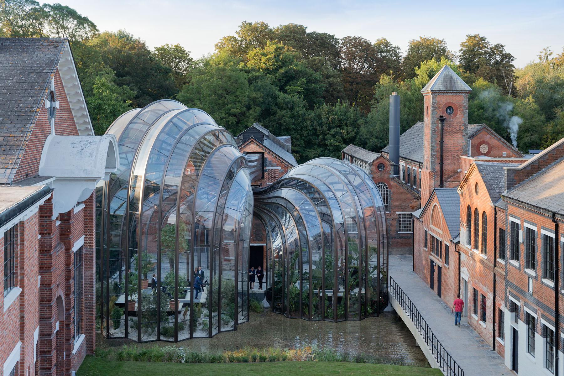 Bombay Sapphire Laverstoke Mill Distillery, Thomas Heatherwick; Hampshire. Imagen © Iwan Baan