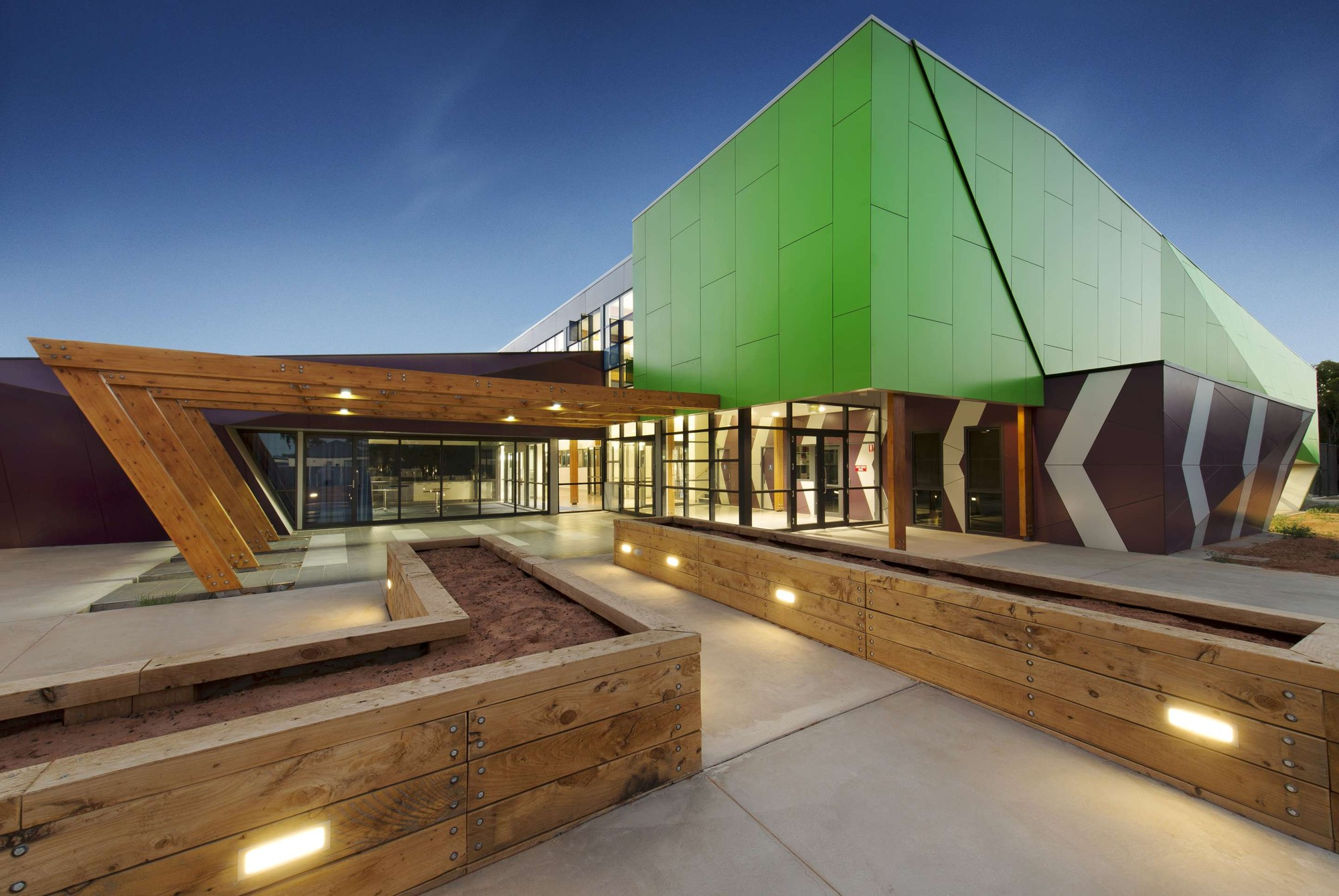 deakin trade training centre y architecture archdaily deakin trade training centre y2 architecture copy zachary couyant