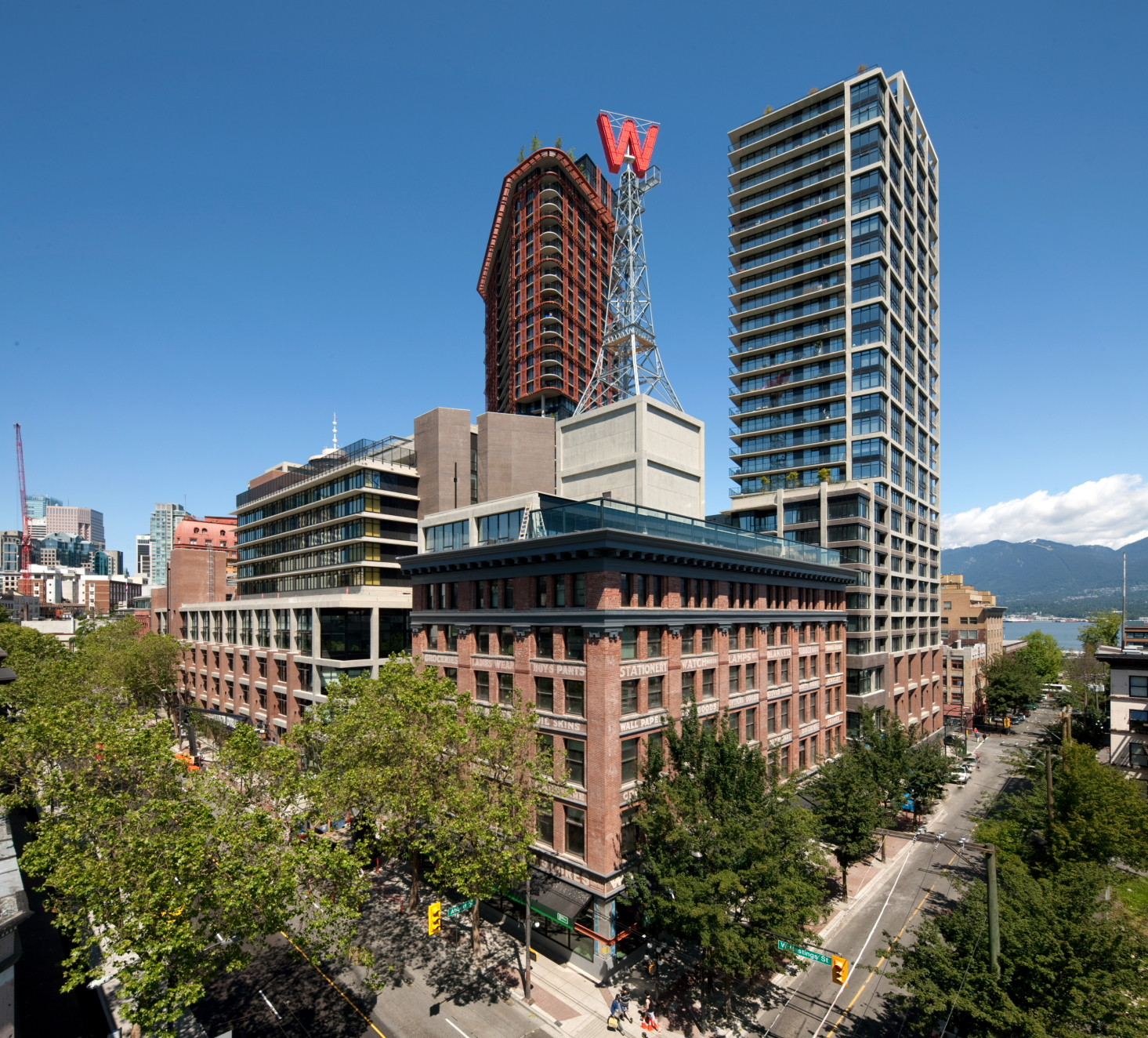 "Inclusivity as Architectural Program: A Reflection on Vancouver's Woodward's Redevelopment Five Years On, The need for ""body heat"" to reactivate the abandoned site led to a high density, and ultimately to the development's 43 and 32 storey towers. Image © Bob Matheson"