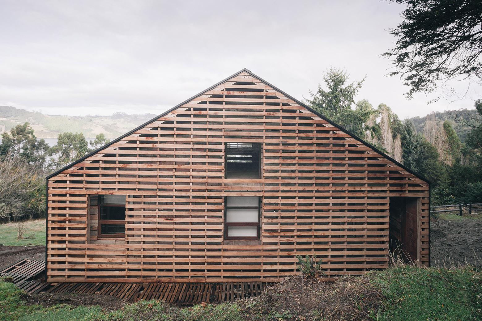 Casa Holmes - Fuentealba / Francis Pfenniger, © Carlos Hevia