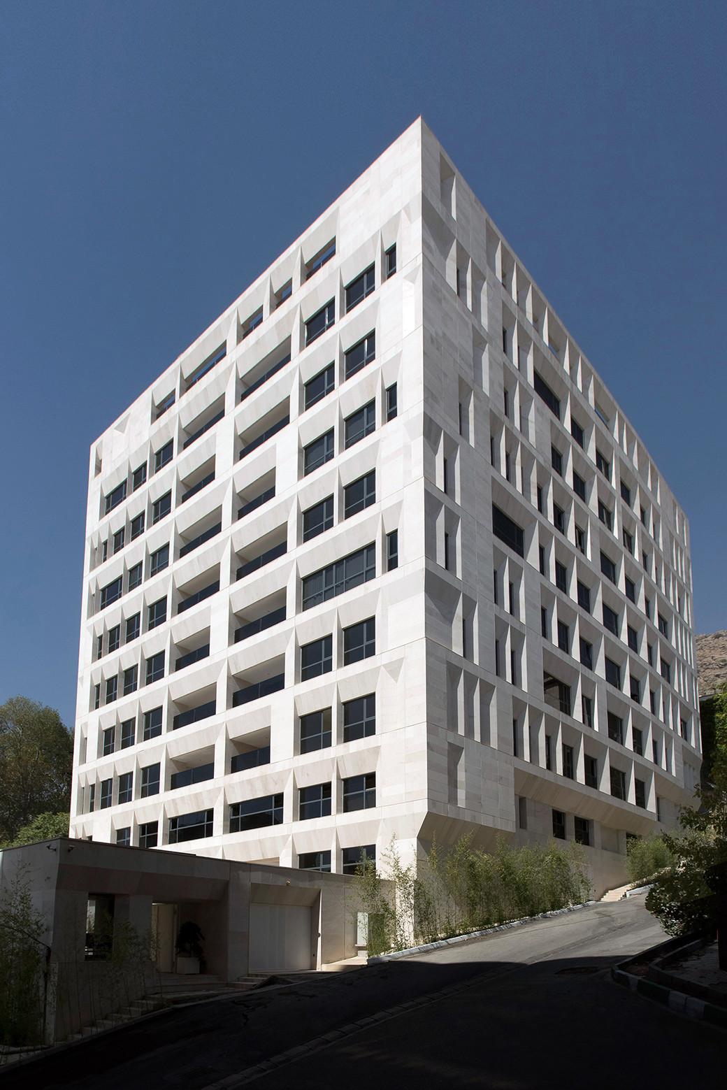Gallery of sipan residential building ryra studio 10 for Residential house builders