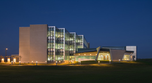 Harte Research Institute for Gulf of Mexico Studies - Texas A&M Corpus Christi. Image © Richter Architects