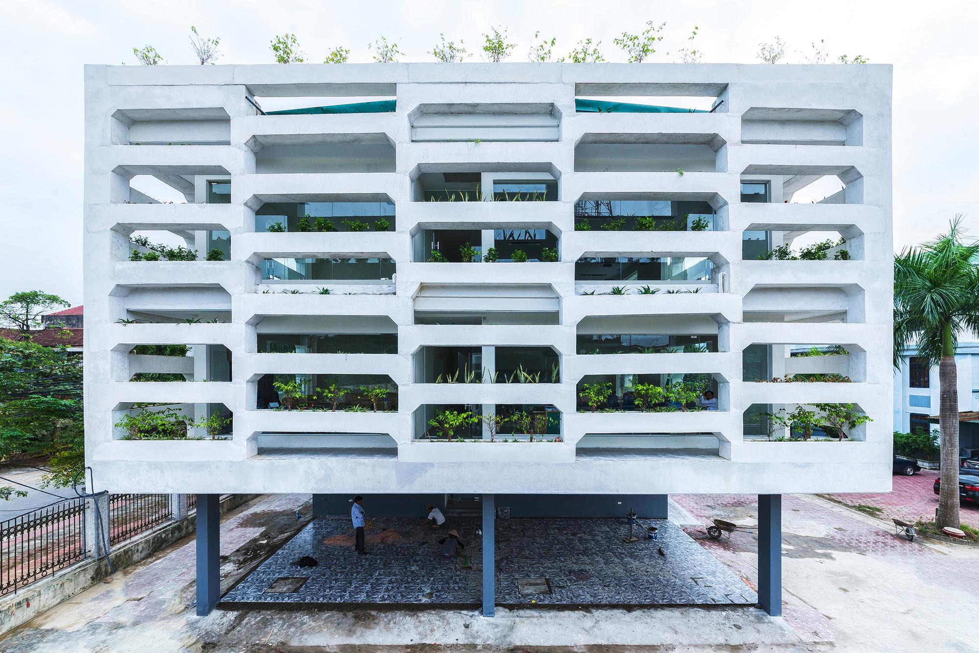 Oficina SRDP-IWMC / H&P Architects, © Nguyen Tien Thanh.