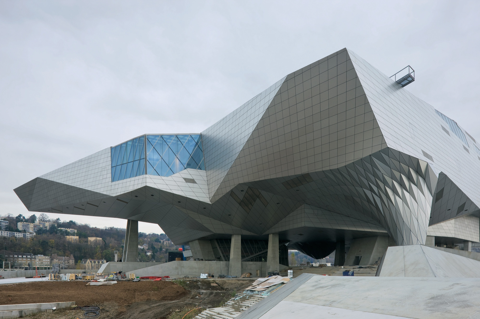 Gallery of mus e des confluences coop himmelb l au 9 for Architecture lyon