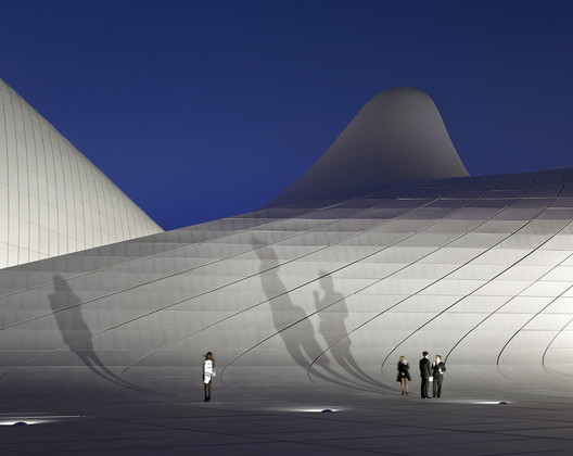 Heydar Aliyev Cultural Center / Hufton and Crow. Image © Hufton and Crow