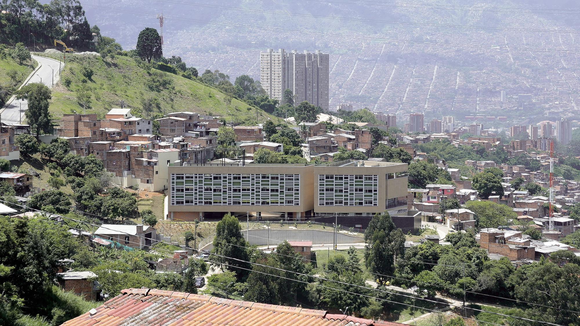 Camilo Mora Carrasquilla School / FP Oficina de Arquitectura, Courtesy of FP Oficina de Arquitectura
