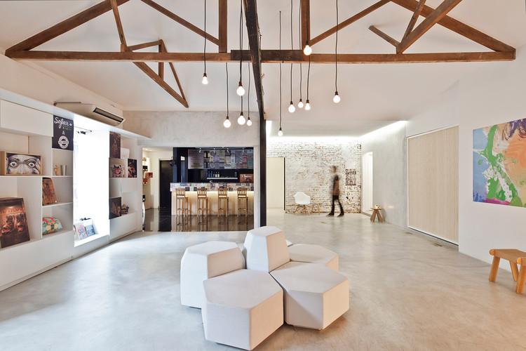 Espacio de exposiciones Bediff / Estudio BRA arquitetura, © Maíra Acayaba