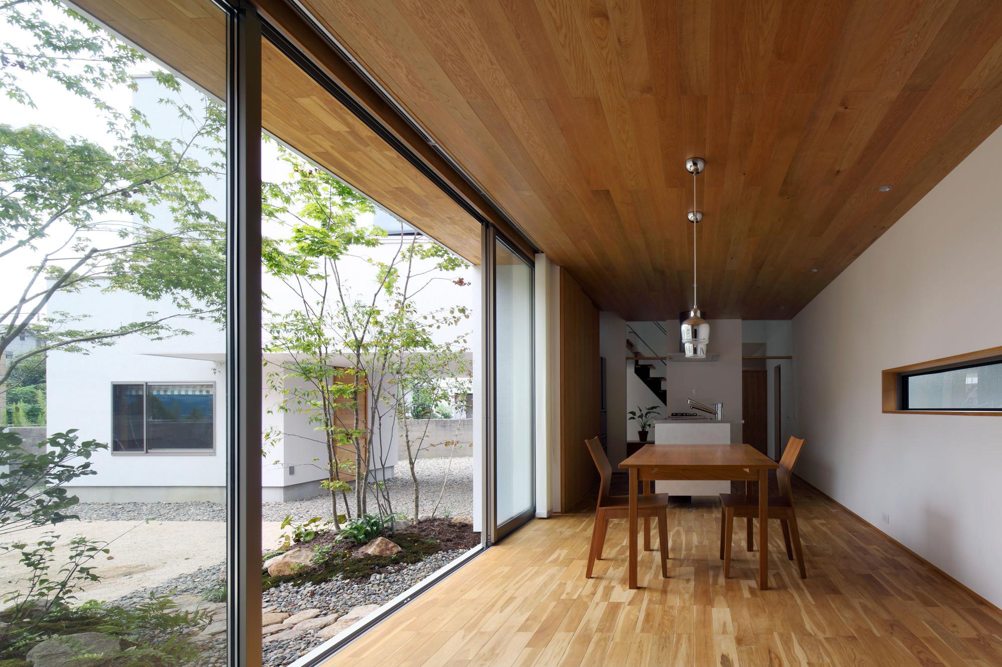 Bridged Living Space / TT Architects, © Kei Sugino