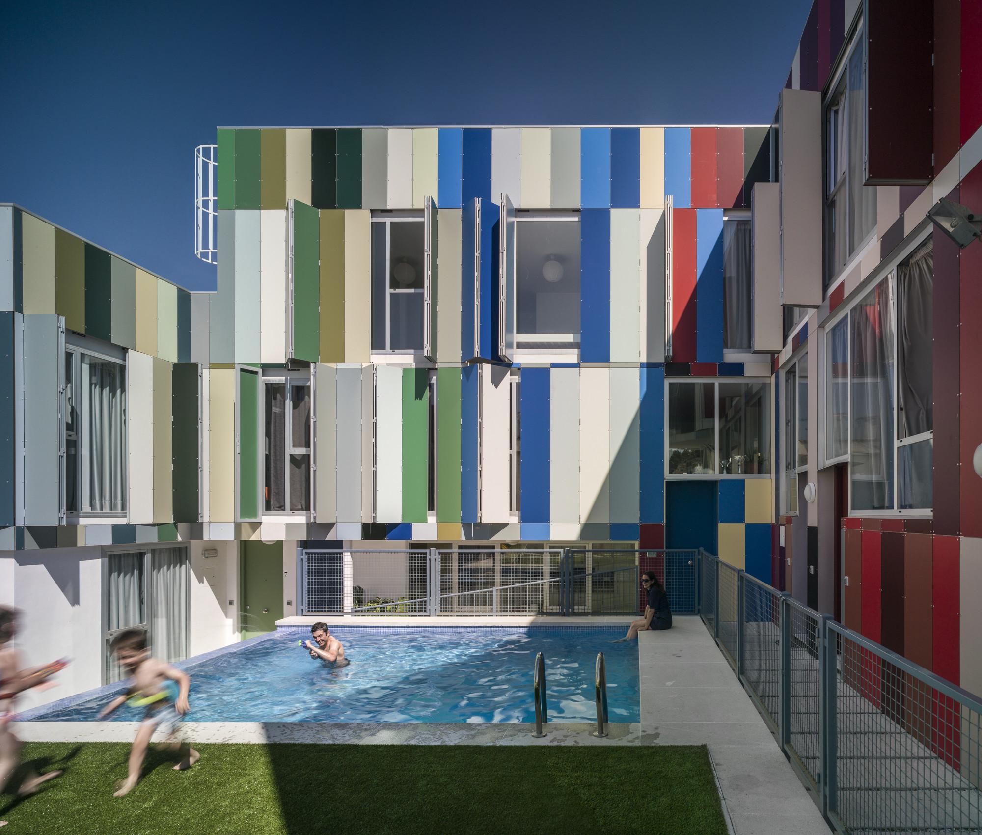 12 viviendas en Jaen / bRijUNi Architects, © Jesús Granada