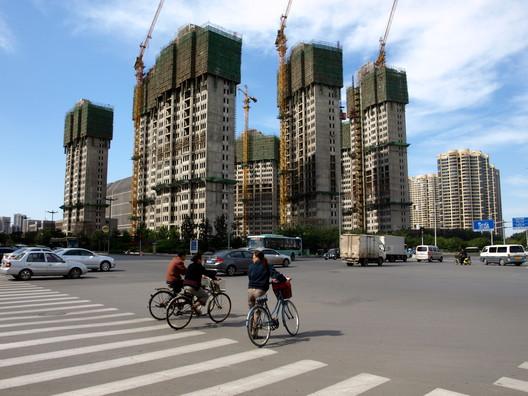 Desarrollo inmobiliario en Tianjin, China. Image © Hugi Ólafsson [Flickr CC]