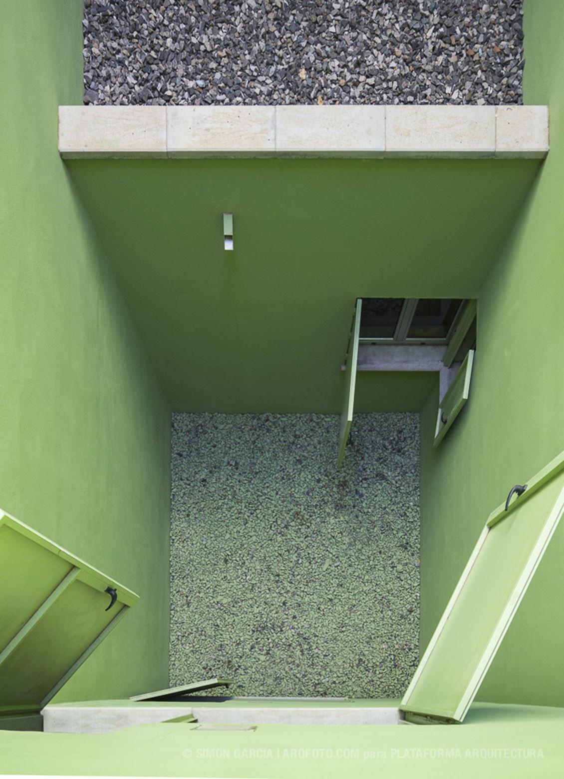 Galer a de 8 casas inscritas y tres patios romera y ruiz - Garcia ruiz arquitectos ...