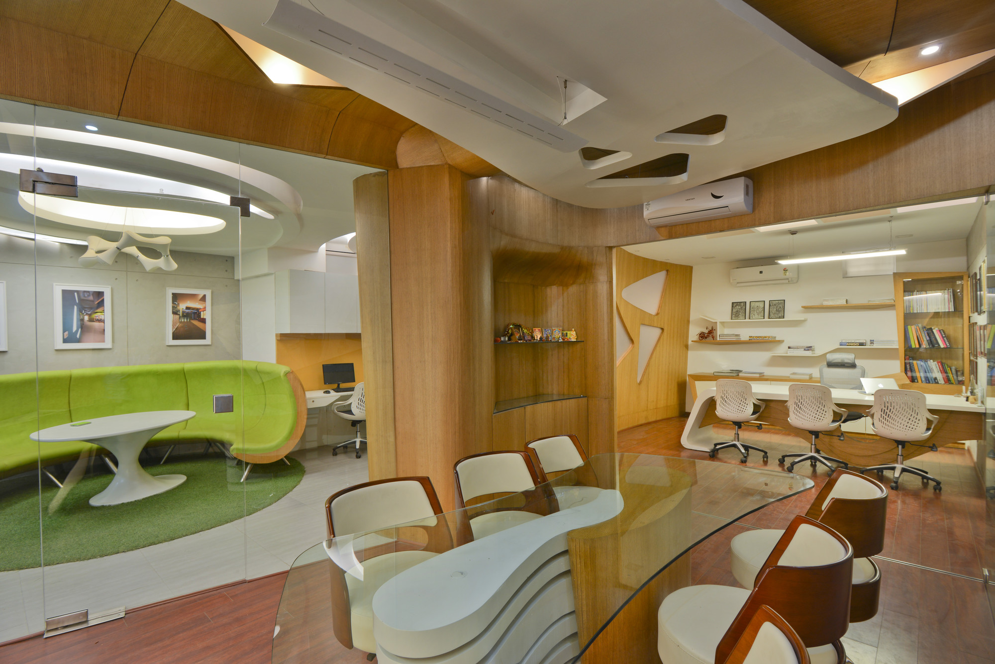 Gallery of architect s office spaces architects ka 2 for Spaces architects safdarjung