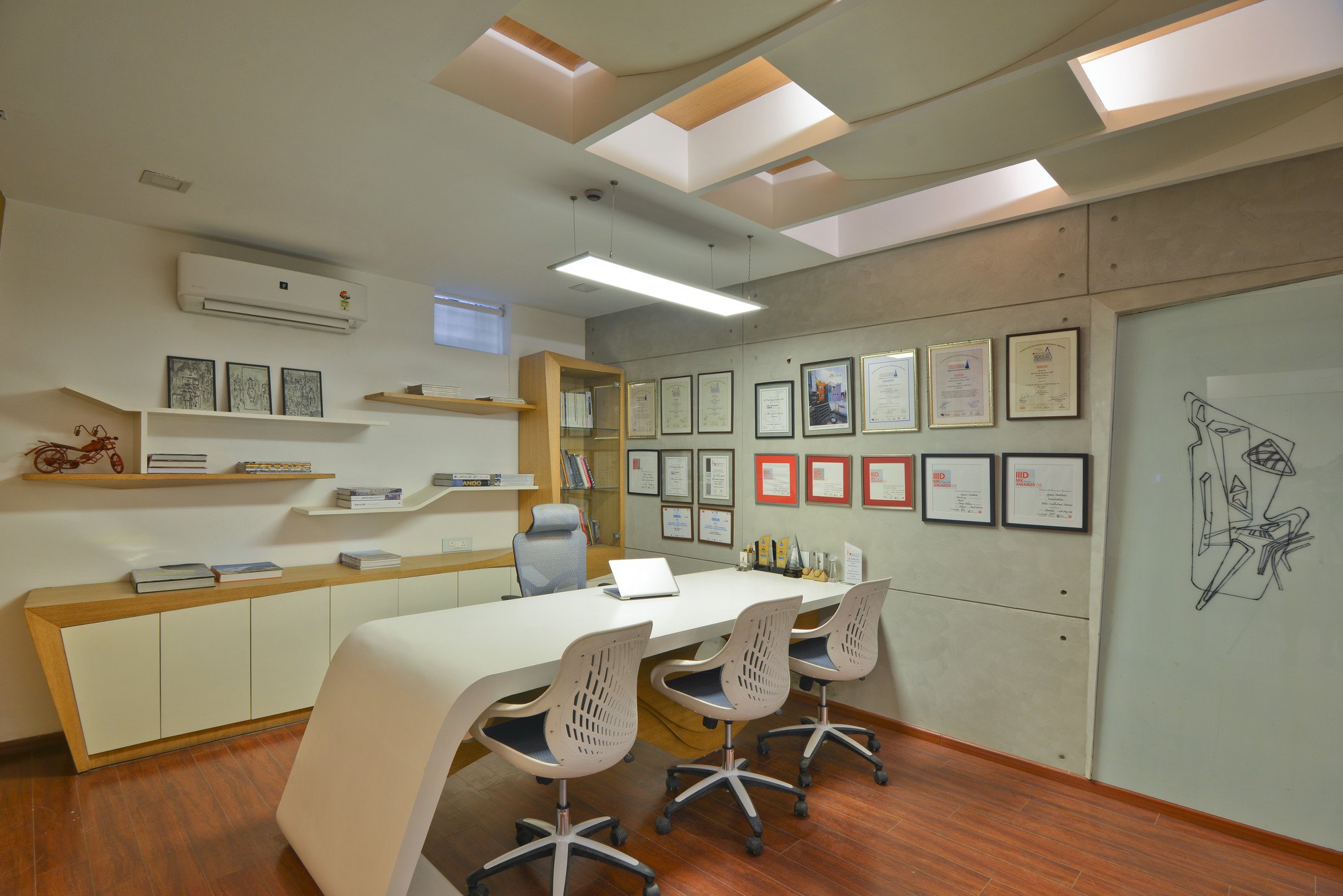Gallery of architect s office spaces architects ka 10 for Spaces architecture studio delhi