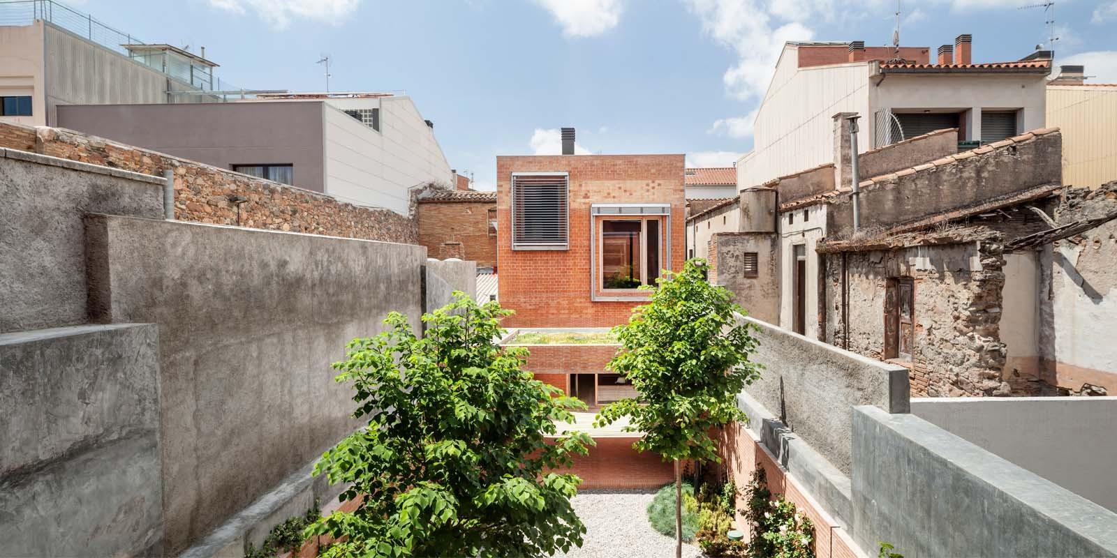 Casa 1014 / H Arquitectes, © Adrià Goula