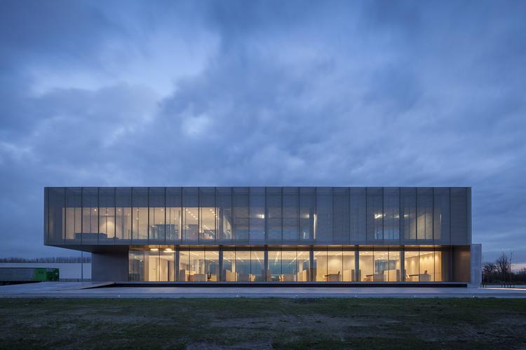 Sede principal de Rob Systems / Govaert & Vanhoutte Architects, © Tim Van de Velde