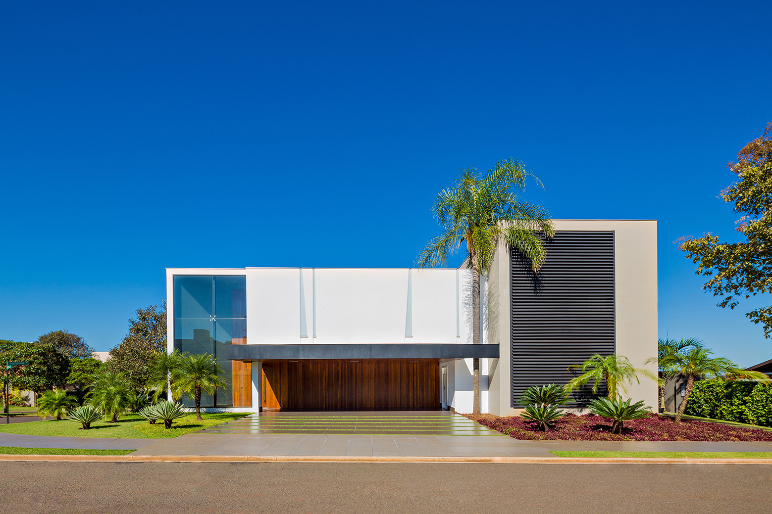 Jabuticaba House / Raffo Arquitetura, © R.R.Rufino