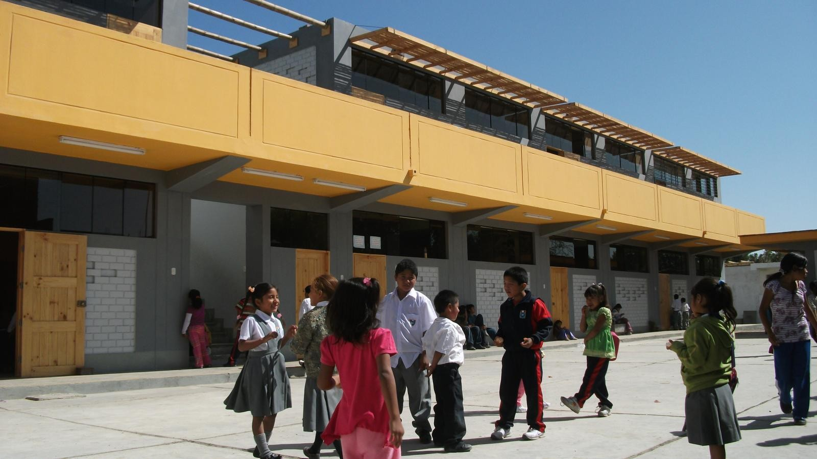 Francisco Perez Anampa School. Image Courtesy of Architecture for Humanity