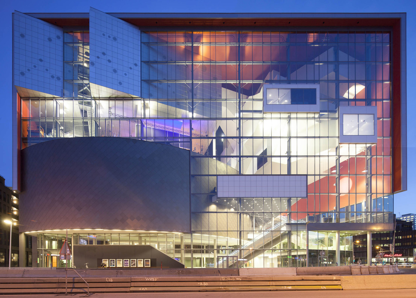 Crossoverzaal / NL Architects