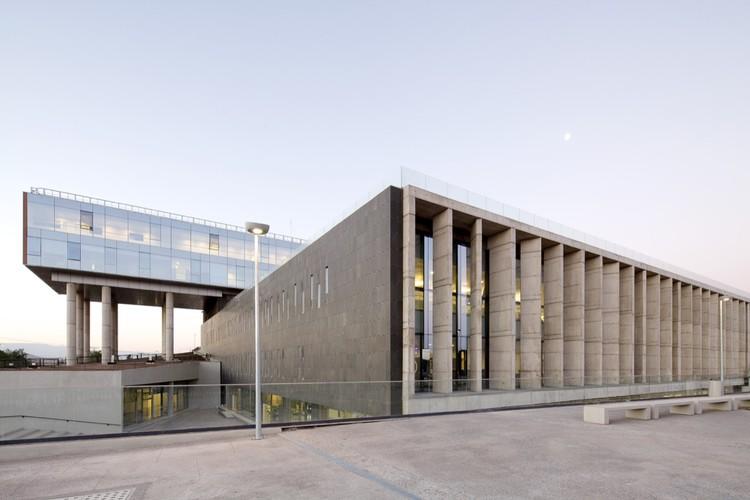 Hospital el Carmen de Maipú / BBATS Consulting&Projects SLP + Murtinho+Raby Arquitectos, © Nico Saieh