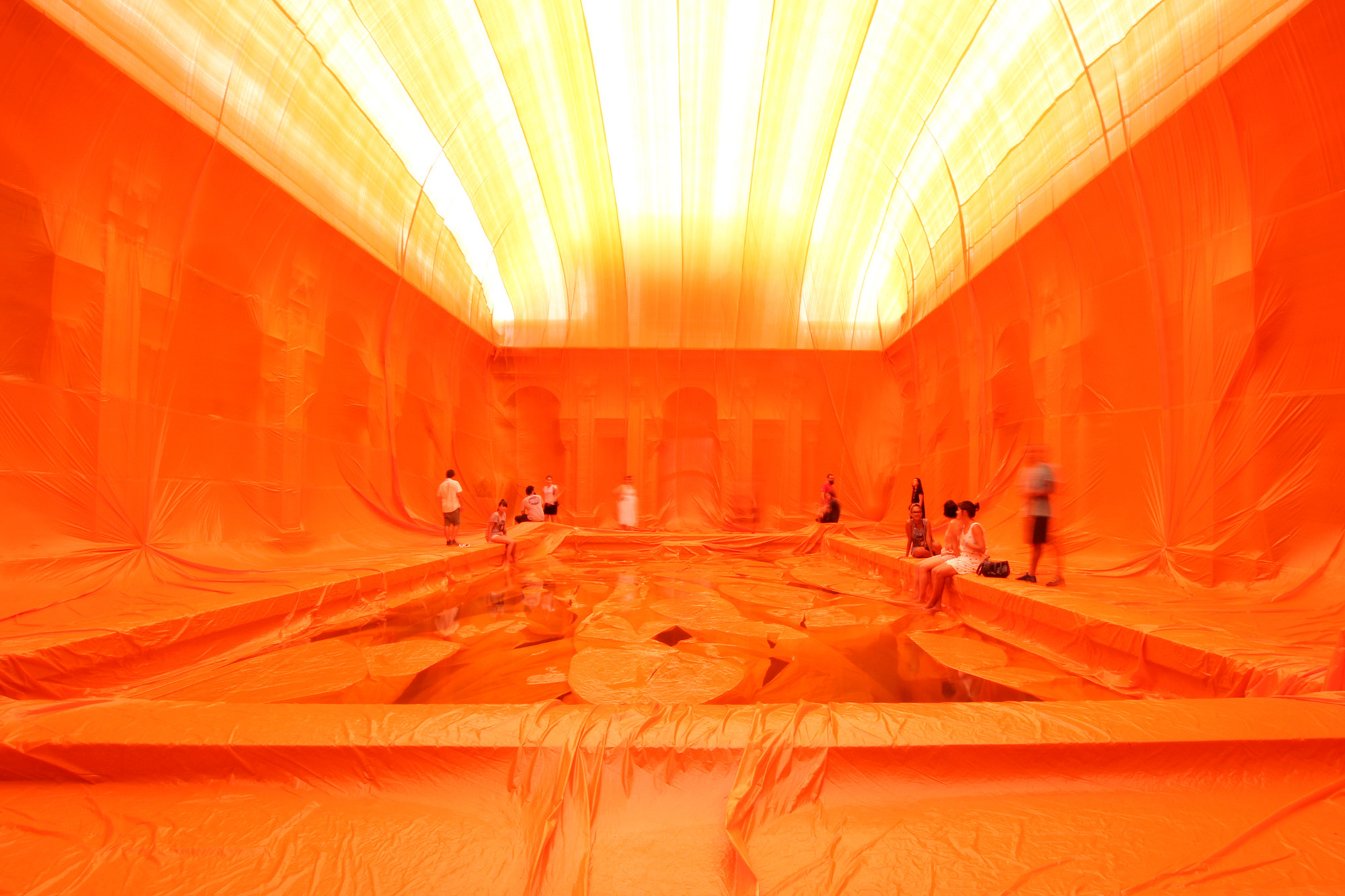 "Arte y Arquitectura: ""La piscina del Parque Lage"" por Penique Productions, © João Duayer"
