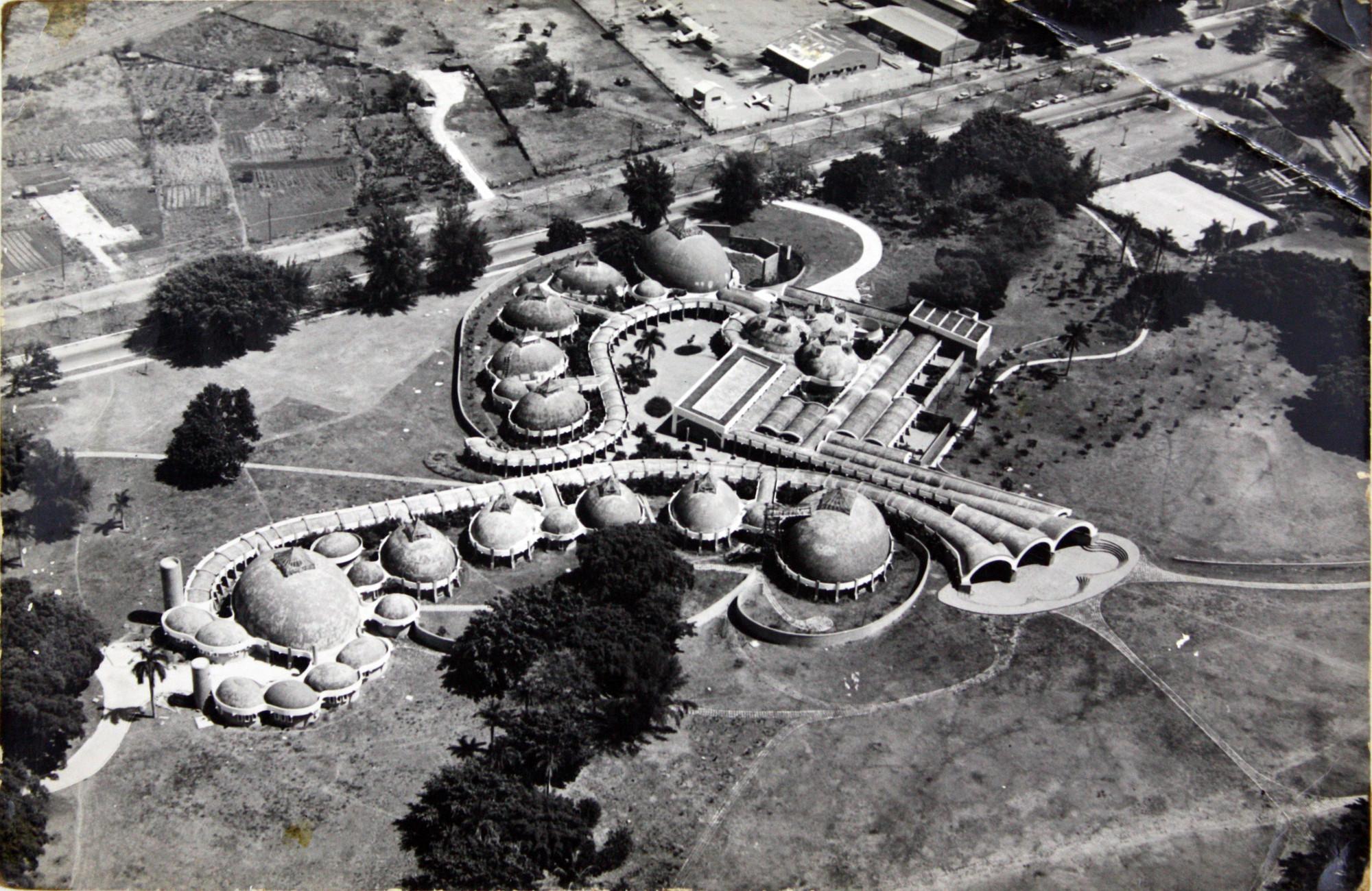 Escuela Nacional de Artes Plásticas, la Habana, Cuba, Ricardo Porro, 1961-1965.. Image© Archivo Vittorio Garatti