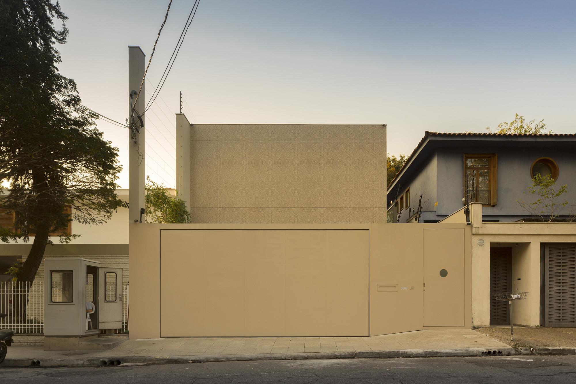Galeria de casa k studio arthur casas 12 - Ceramica para fachadas casas ...