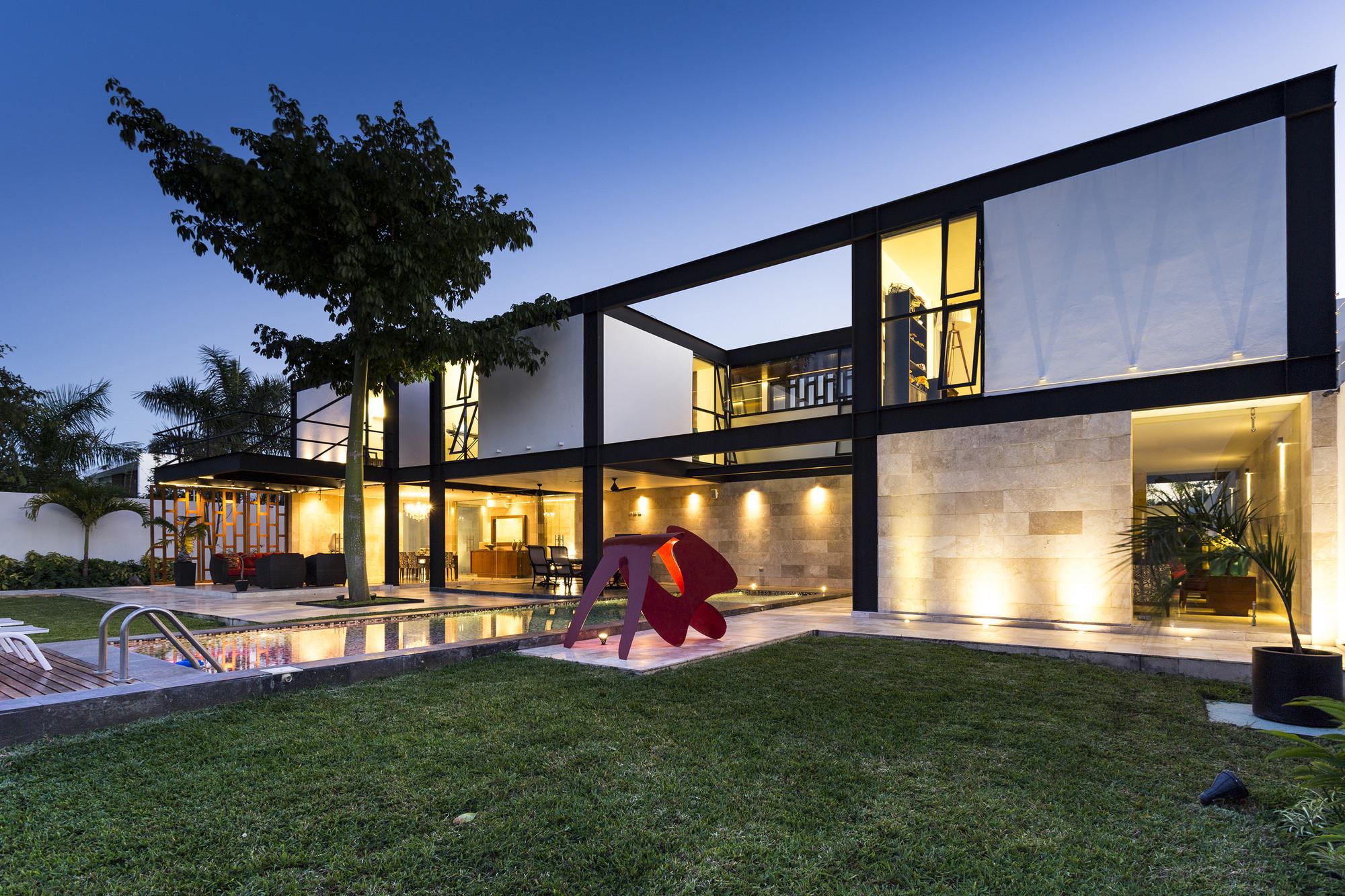 Montebello 321 / Jorge Bolio Arquitectura, © David Cervera