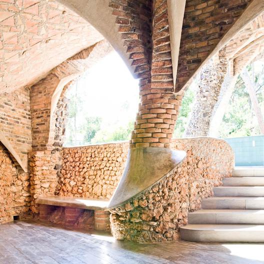 Colònia Güell / Antoni Gaudí. Image © Samuel Ludwig