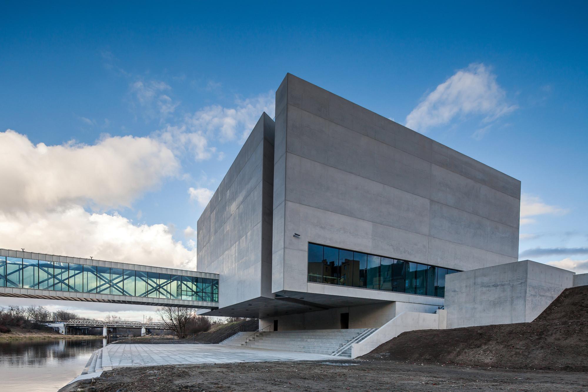 Ichot - Puerta de Poznan / Ad Artis Architects, © Mariusz Lis