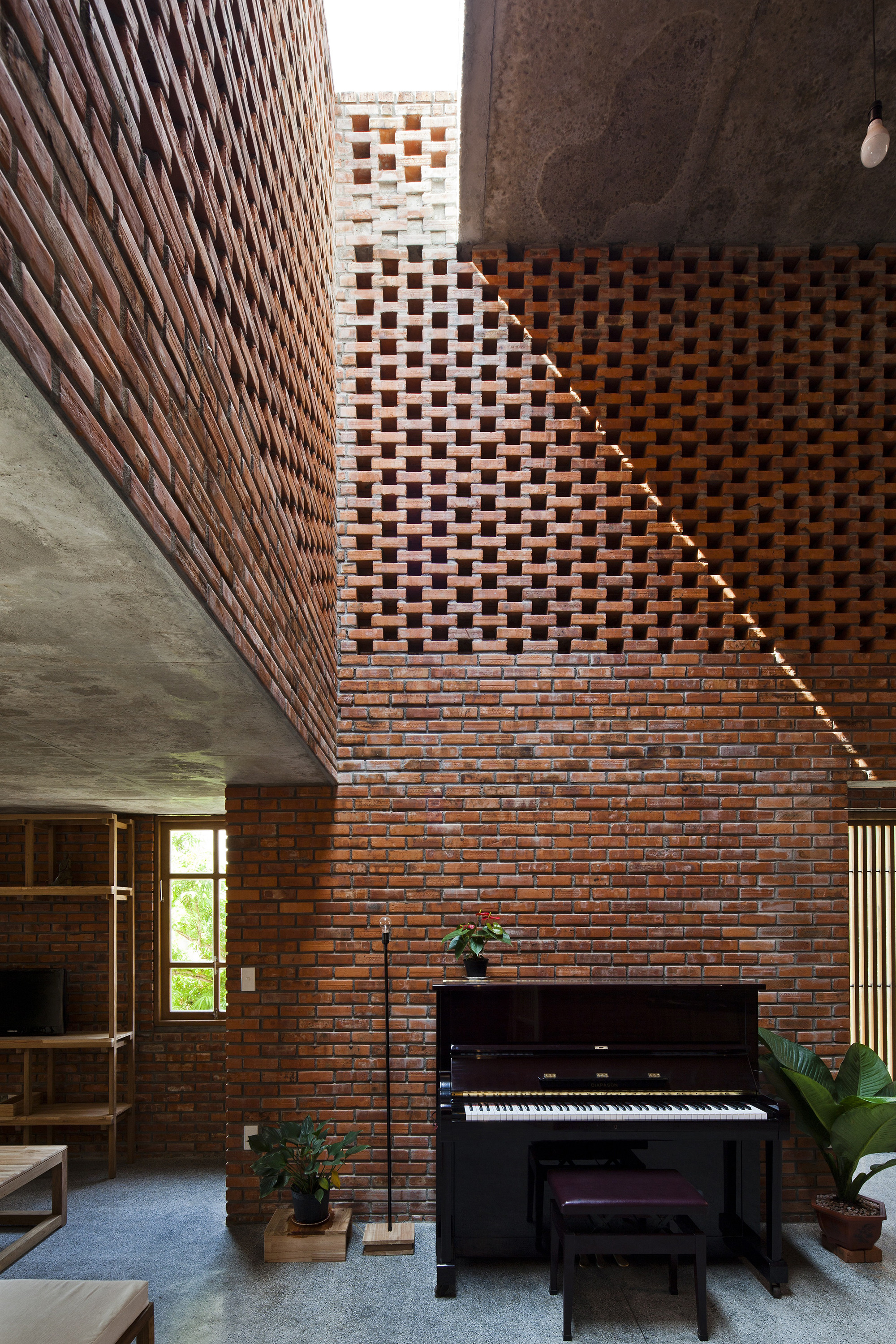 Gallery of ermitary House / ropical Space - 2 - ^