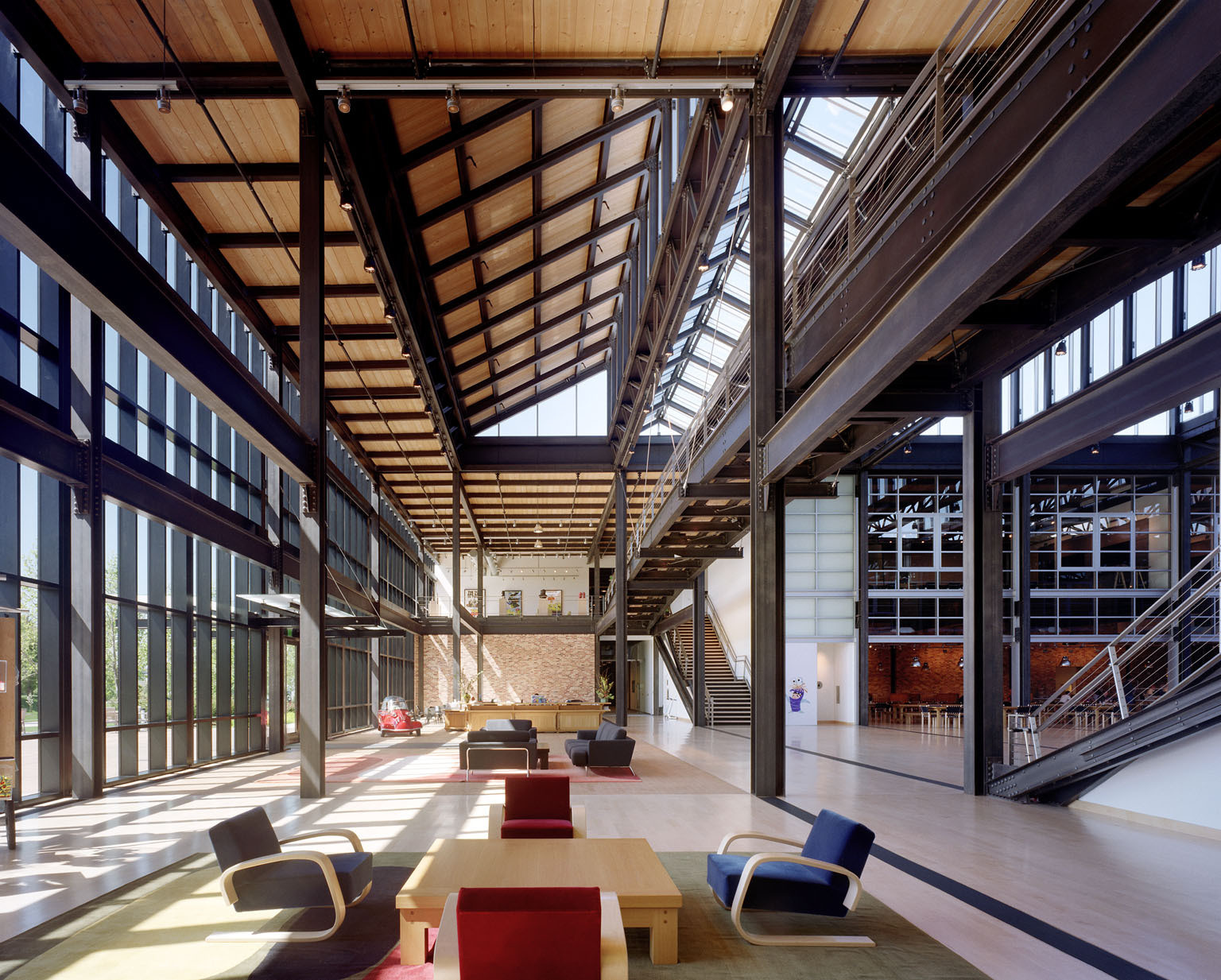 Pixar Headquarters Atrium. Image © Esto/Peter Aaron; Courtesy of Bohlin Cywinski Jackson