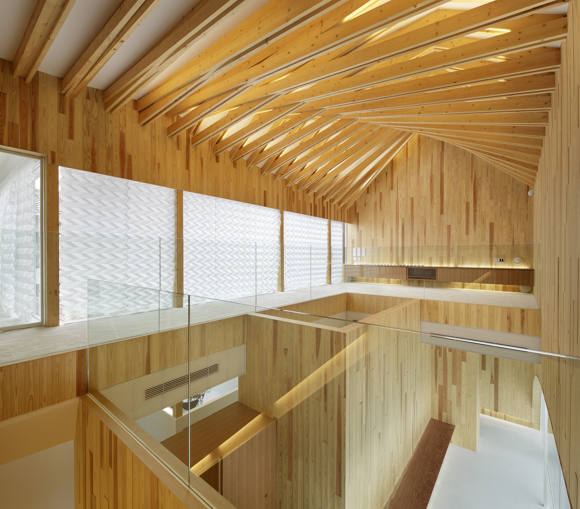Timber Dentistry (Mino Osaka, Japan) / Kohki Hiranuma Architect & Associates. Image © Satoshi Shigeta