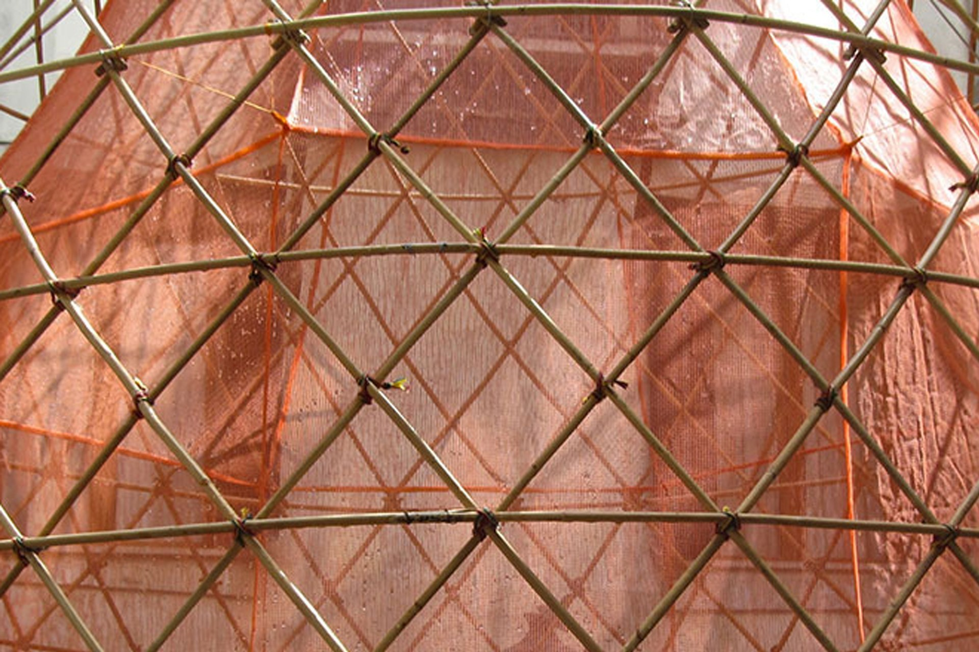 Pele interna de plástico reciclado. Fonte da imagem: Yogui.co