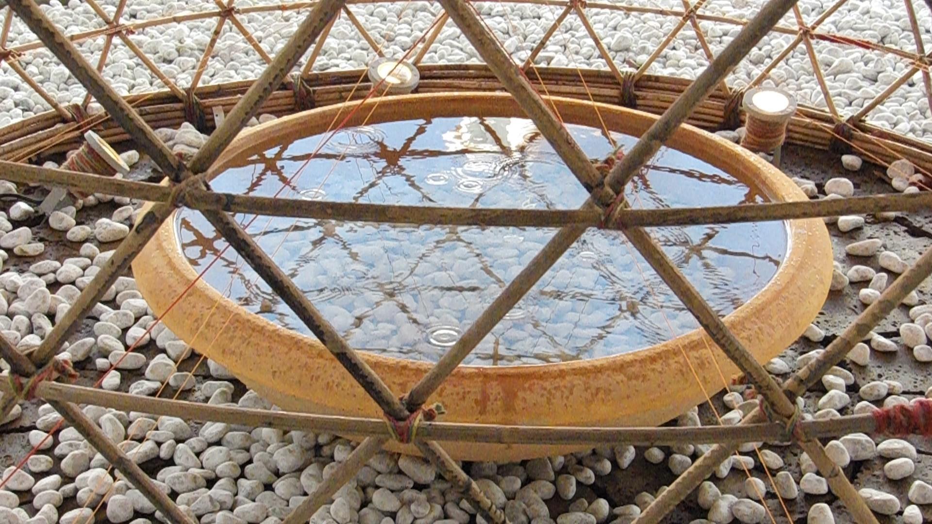 Reservatório para a água condensada. Fonte da imagem: Yogui.co