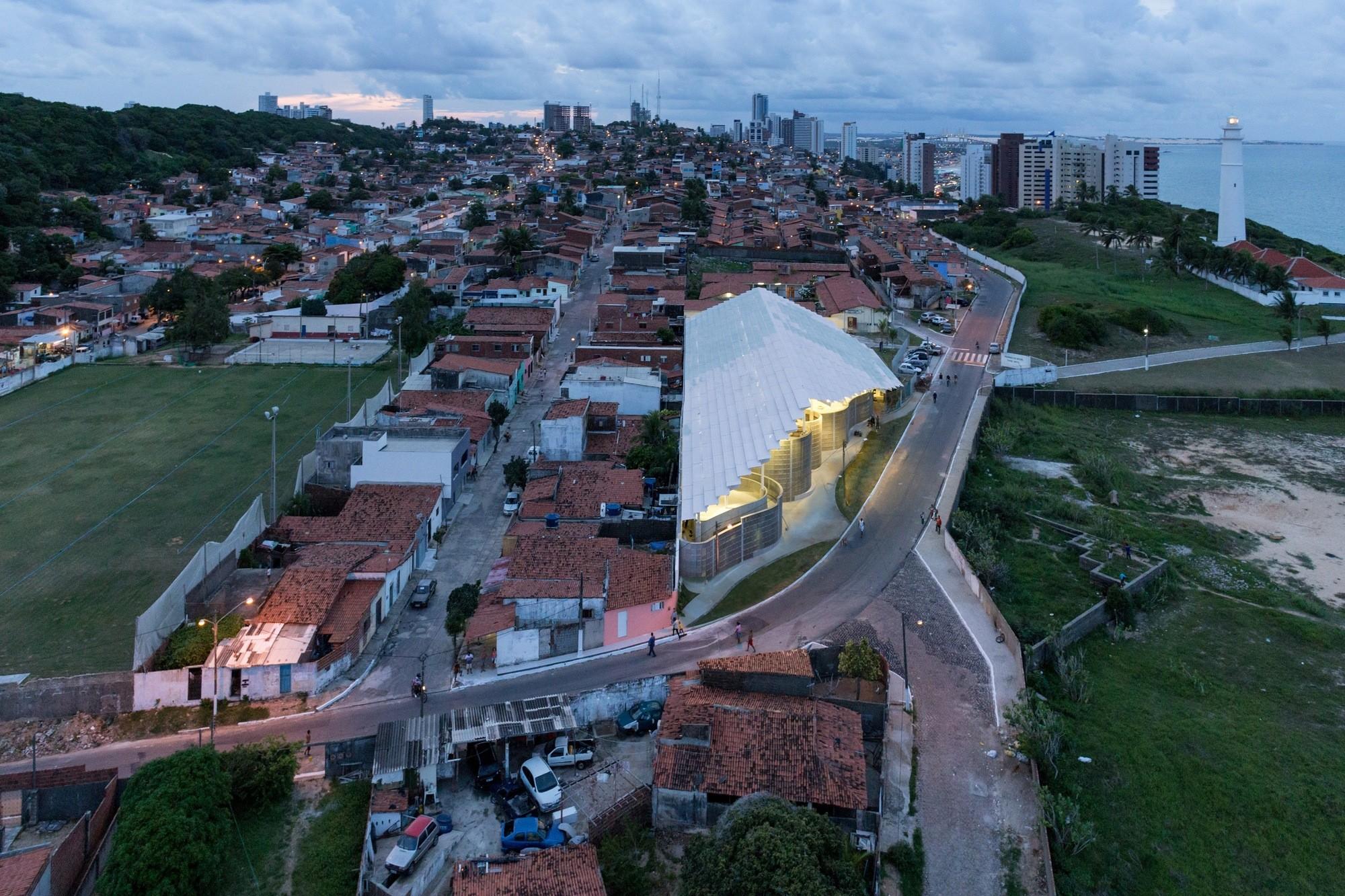 Arena do Morro - Herzog & de Meuron © Iwan Baan