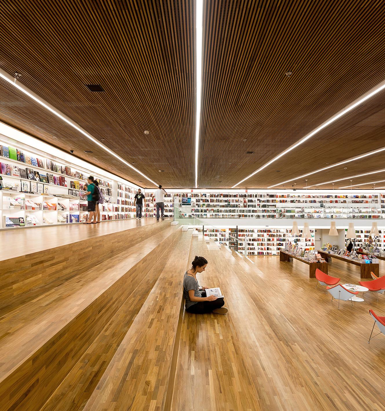 Cultura Bookstore - Studio MK27 – Marcio Kogan + Diana Radomysler + Luciana Antunes + Marcio Tanaka + Mariana Ruzante © Fernando Guerra FG+SG