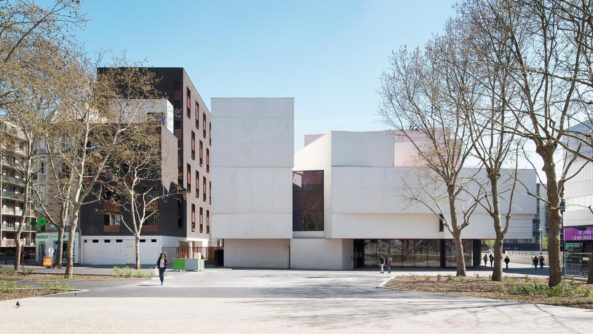 Theater in Montreuil / Dominique Coulon et associés, © Martin Argyroglo