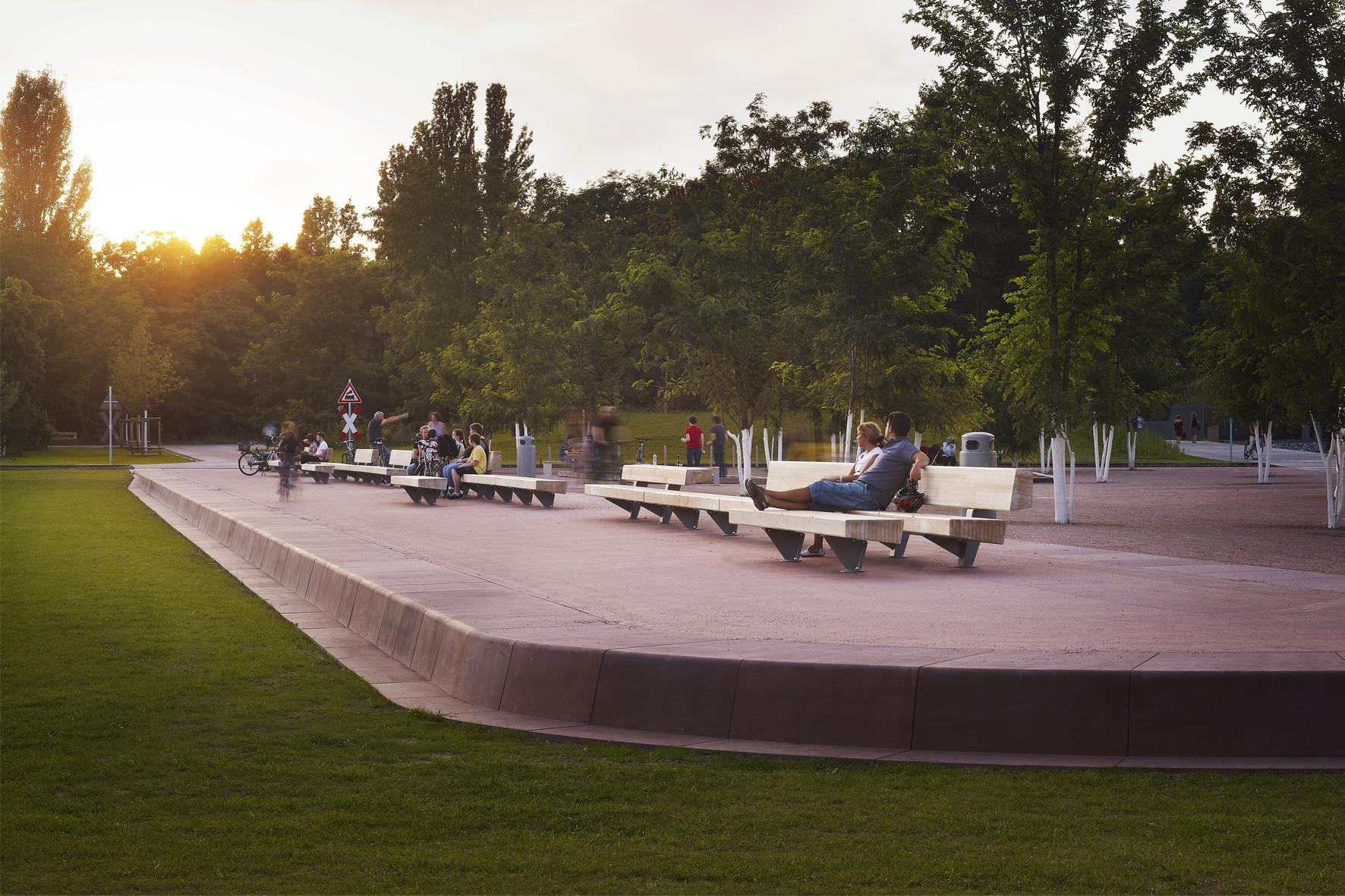 Gleisdreieck Park. Image © Julien Lanoo
