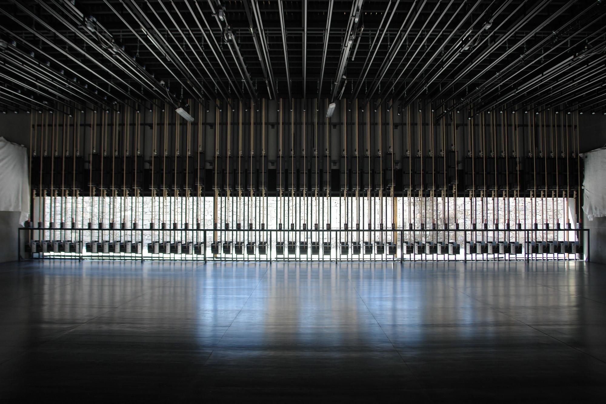Arquipélago - Contemporary Arts Centre. Image © Francisco Vieira de Campos, Cristina Guedes (Menos é Mais Arquitectos) and João Mendes Ribeiro (João Mendes Ribeiro Arquitecto)