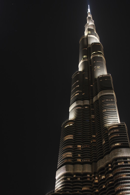 Burj Khalifa. Image © Flickr CC user Christian van Elven