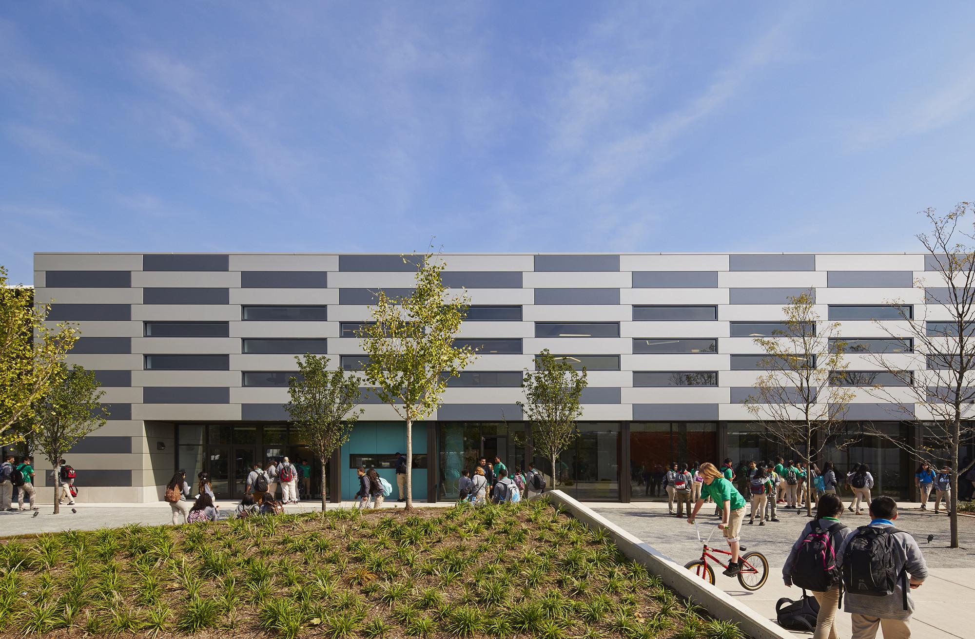 intrinsic school / wheeler kearns architects   archdaily