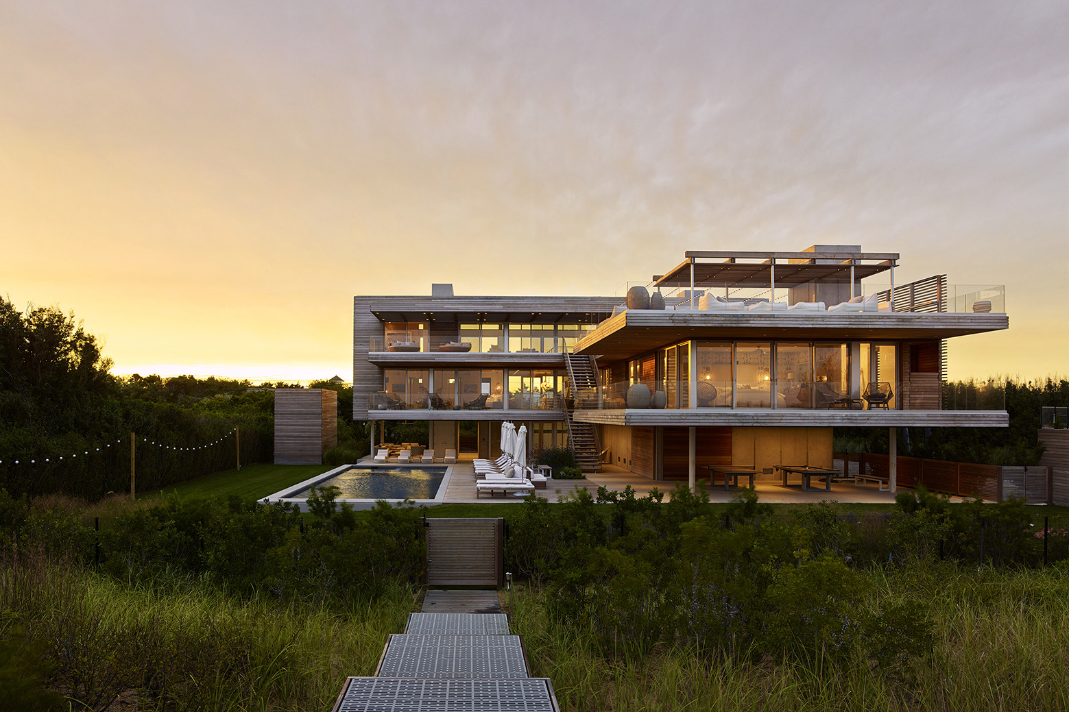 Casa con Terraza hacia el Océano / Stelle Lomont Rouhani Architects, © Matthew Carbone