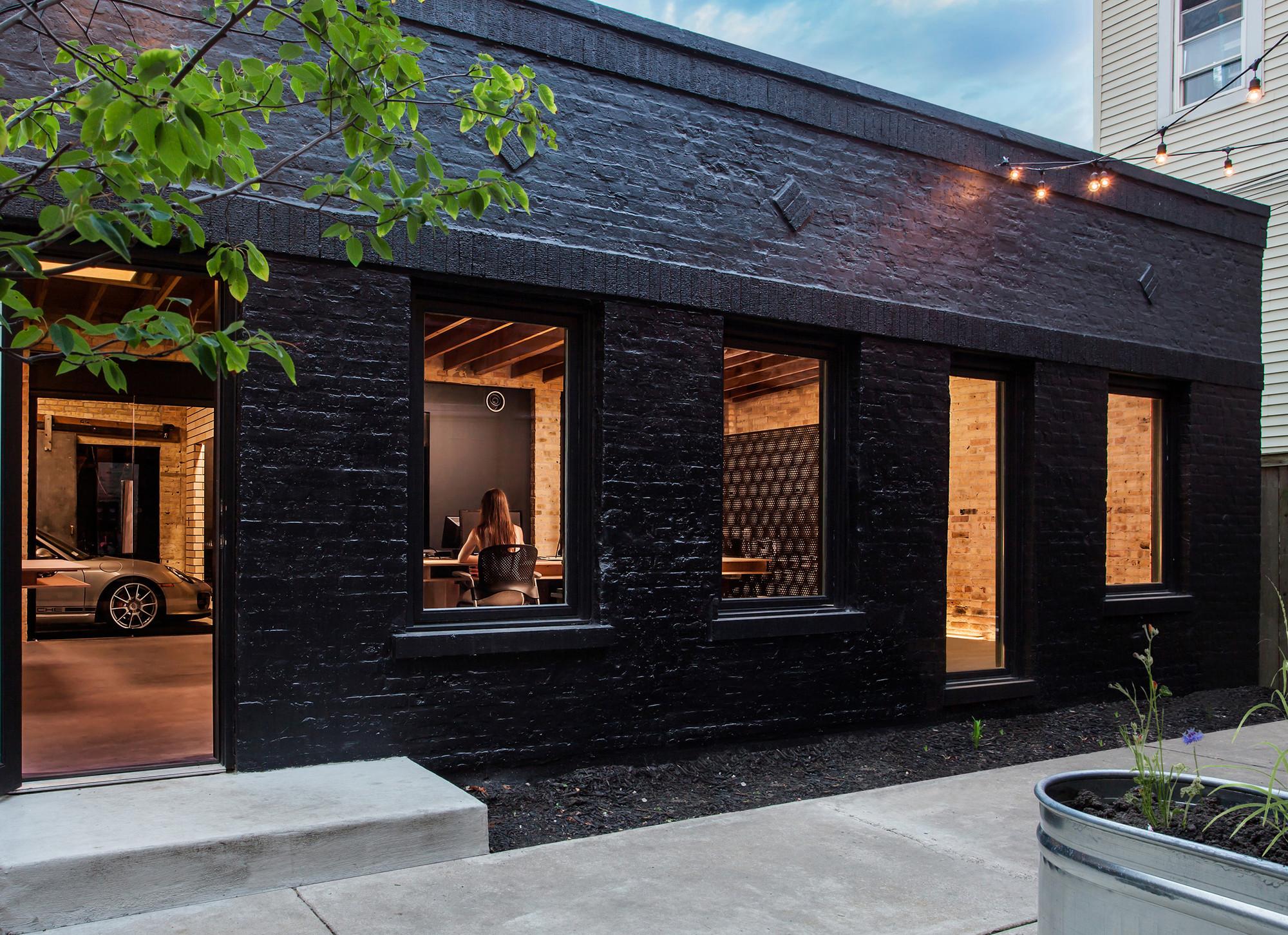 Ranquist Development Group Office / Vladimir Radutny Architects ...