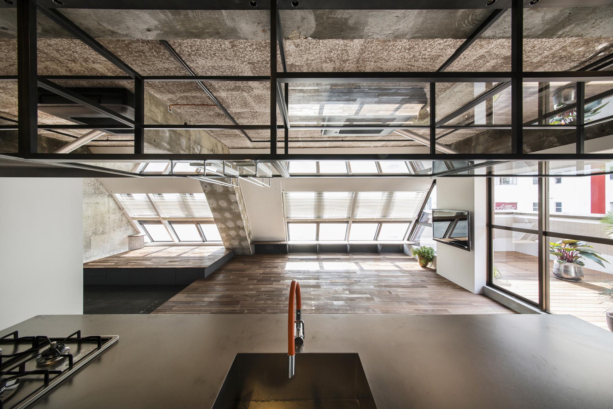 gallery of tokyo loft g architects 6. Black Bedroom Furniture Sets. Home Design Ideas