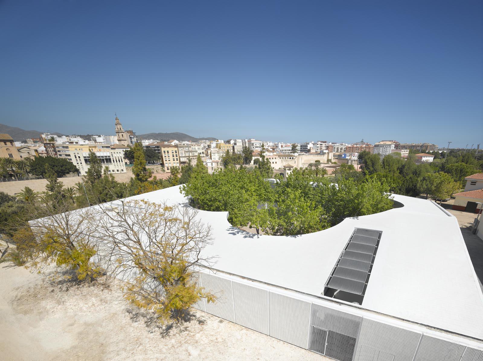 Paredes Pedrosa Arquitectos, Medalla de Oro al Mérito a las Bellas Artes 2014, Universidad Popular Infantil. Gandía, España. Image © Roland Halbe