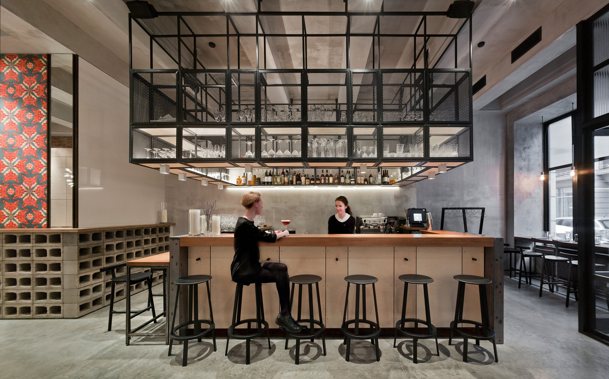 Café Holy Fox / Mikhail Kozlov, © Frank Herfort