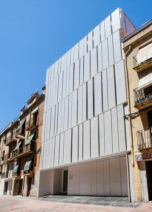 Edificio de Equipamientos de la Diputación de Tarragona / Alonso y Balaguer, © Ramón Cornado