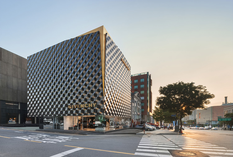 Givenchy Flagship Store in Seoul / Piuarch, © Shin Kyungsub