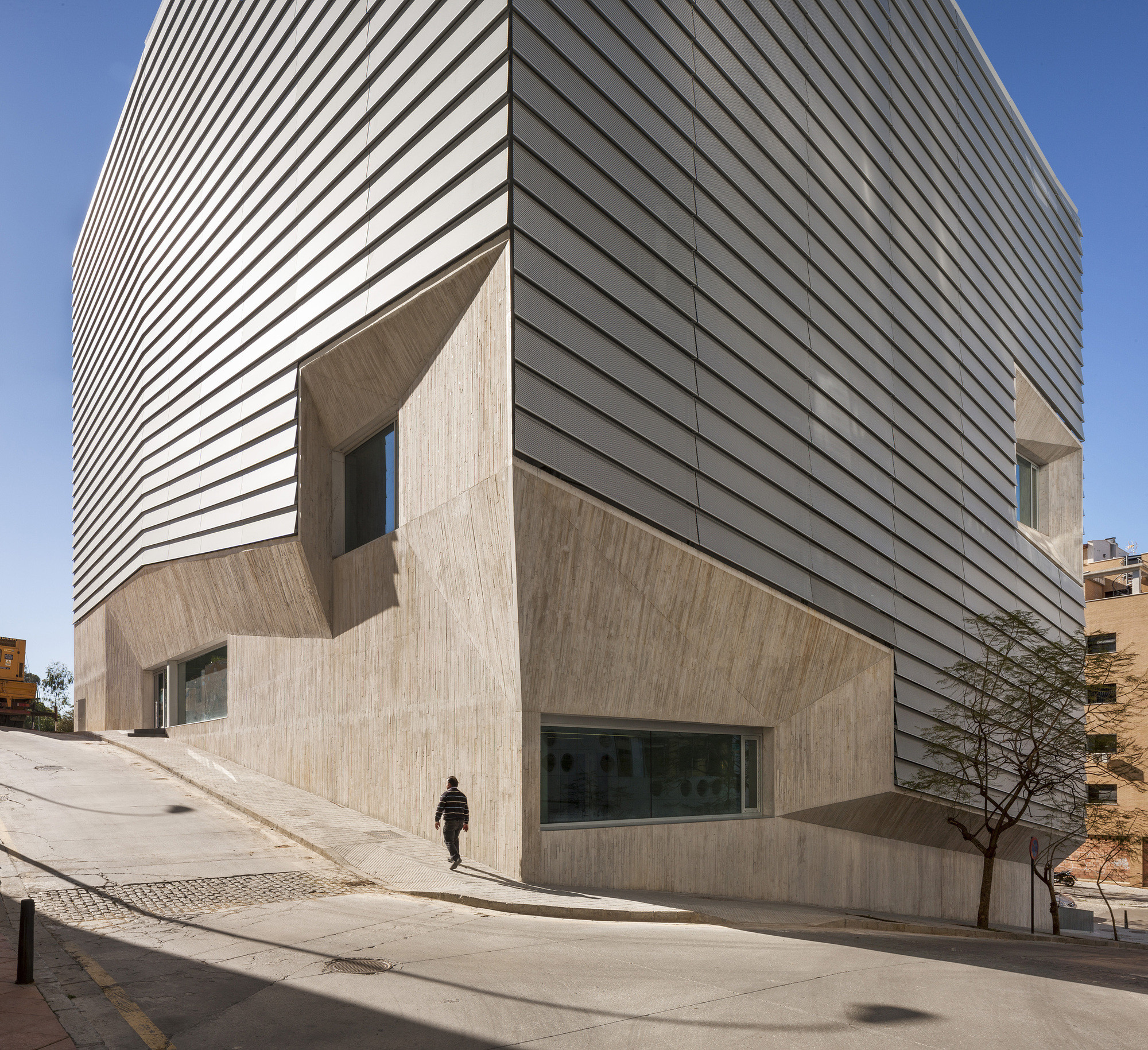 Biblioteca Pública de Ceuta / Paredes Pedrosa. Image © Fernando Alda