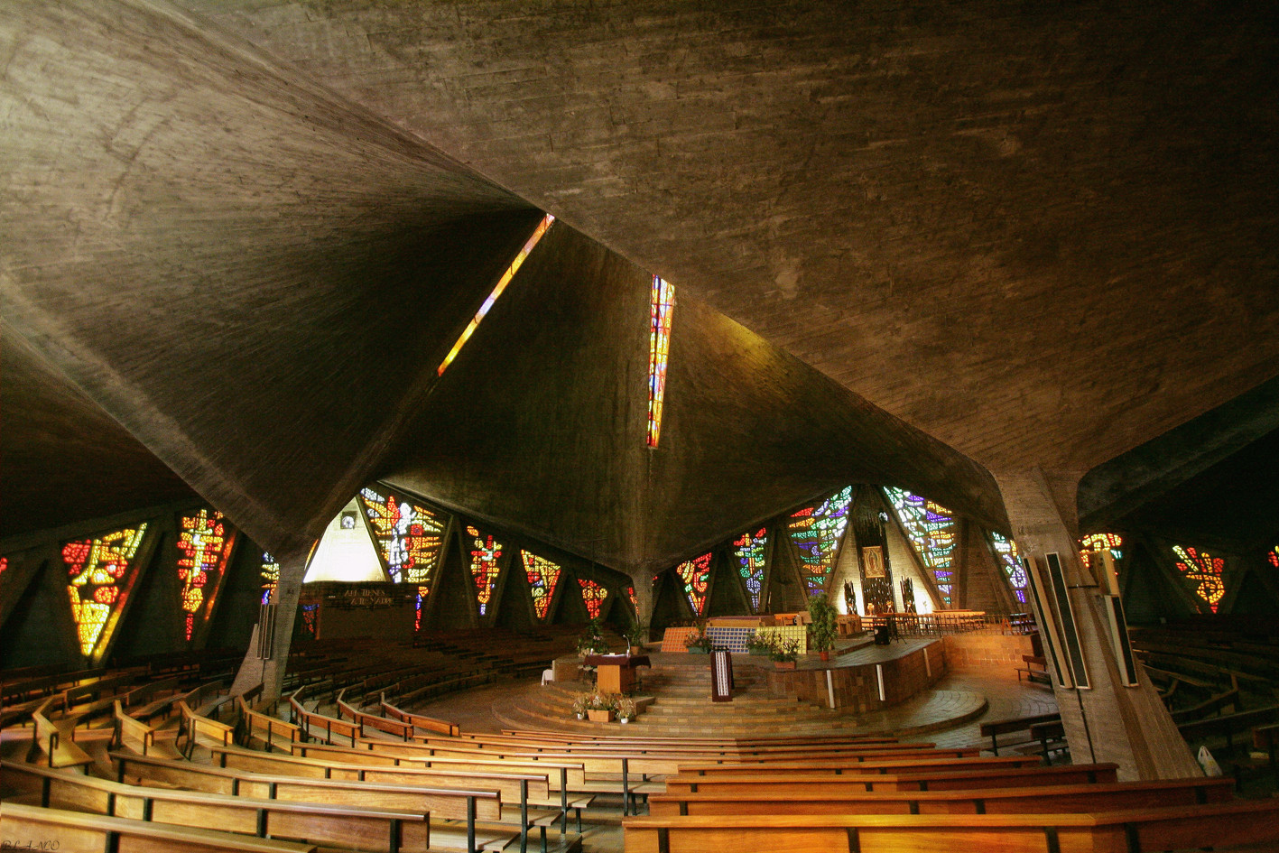 Santuario de Nuestra Señora de Guadalupe, Enrique de la Mora y Felix Candela. Image Cortesía En Foto Madrid